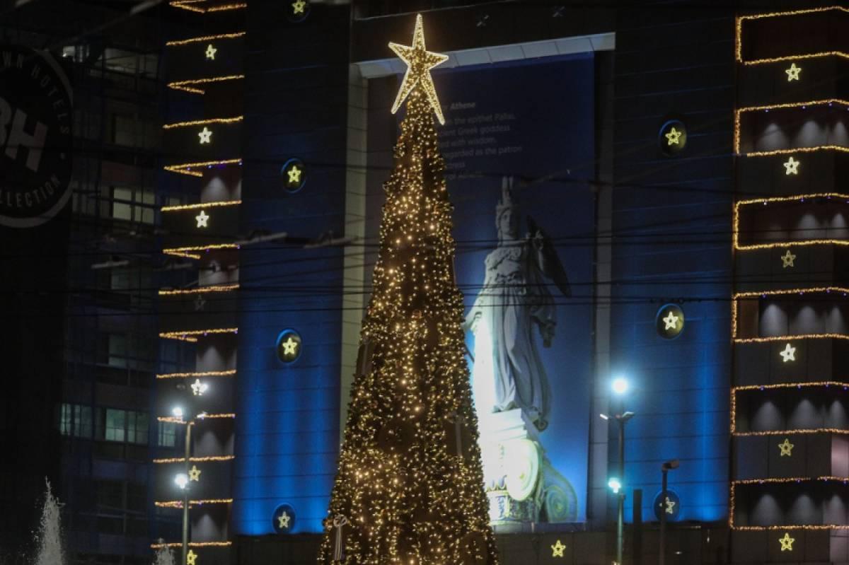 Ραγδαίες εξελίξεις με σφράγισμα νομών και αυστηρή απαγόρευση κυκλοφορίας για τα Χριστούγεννα
