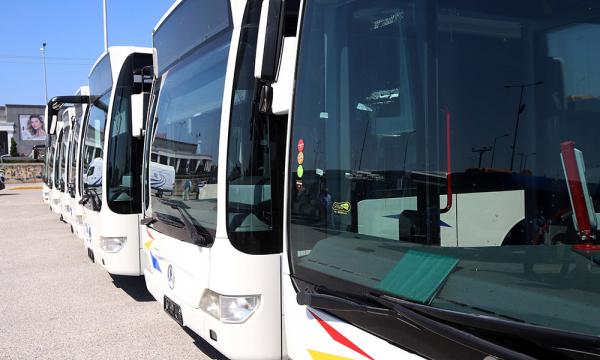 Ένα χρόνο μετά το πρώτο lockdown βγαίνουν στους δρόμους τα πρώτα 40 νέα λεωφορεία