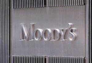Moody's: Υποβάθμισε το outlook πέντε ελληνικών τραπεζών