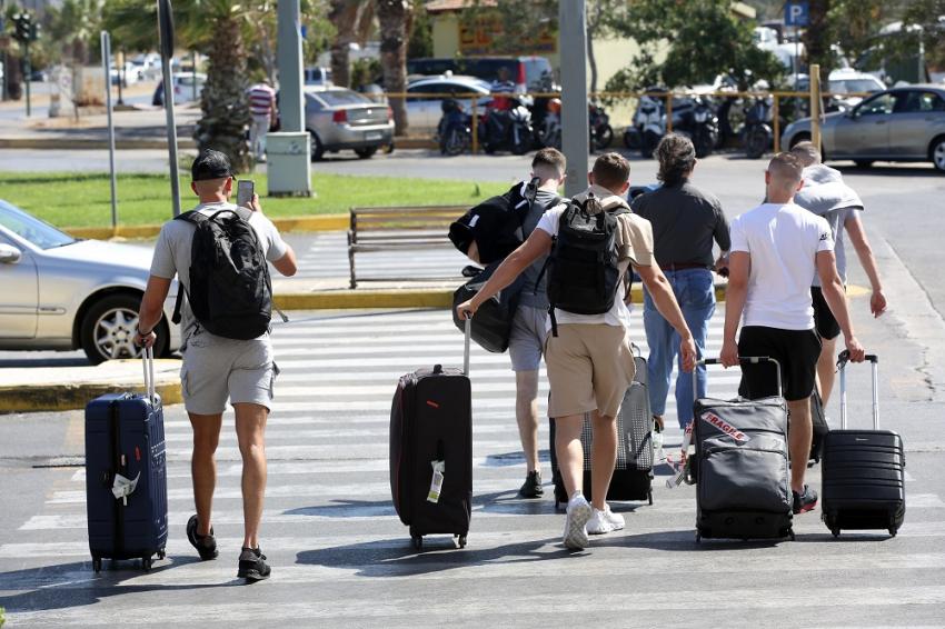Βρετανία: Στο «πορτοκαλί» η Ελλάδα - Τρία τεστ και δέκα μέρες καραντίνα για τους ταξιδιώτες