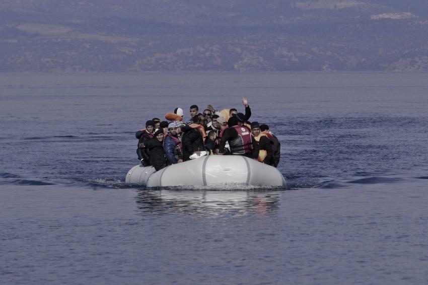 Αυστηροποίηση του πλαισίου απελάσεων και επιστροφών μεταναστών