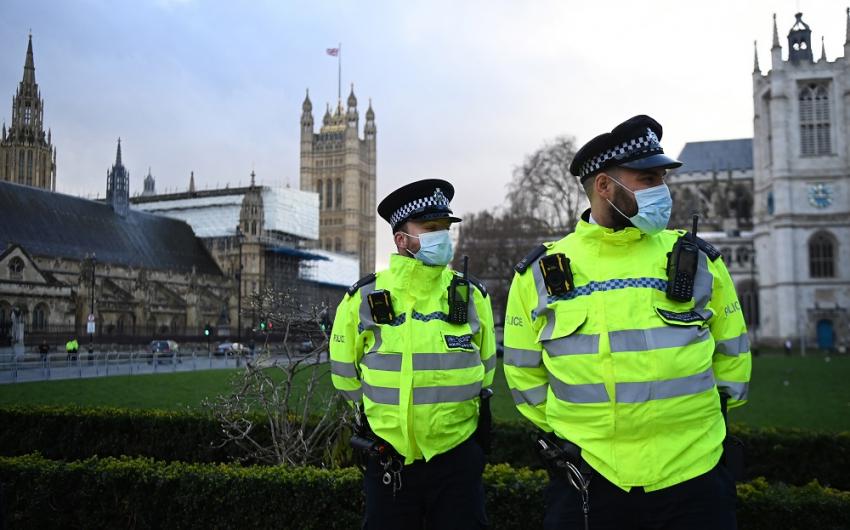 Άσχημα νέα από τη Βρετανία: Θάνατοι και ορισμένων εμβολιασμένων με τη μετάλλαξη Δέλτα