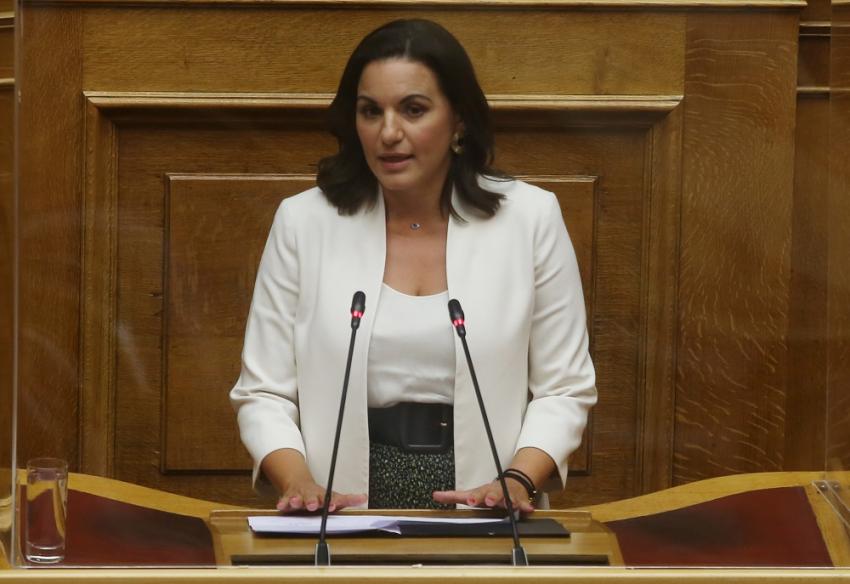 Συνεπιμέλεια: Δέκα τροπολογίες - «χαστούκι» στην κυβέρνηση από Γιαννάκου και Κεφαλογιάννη