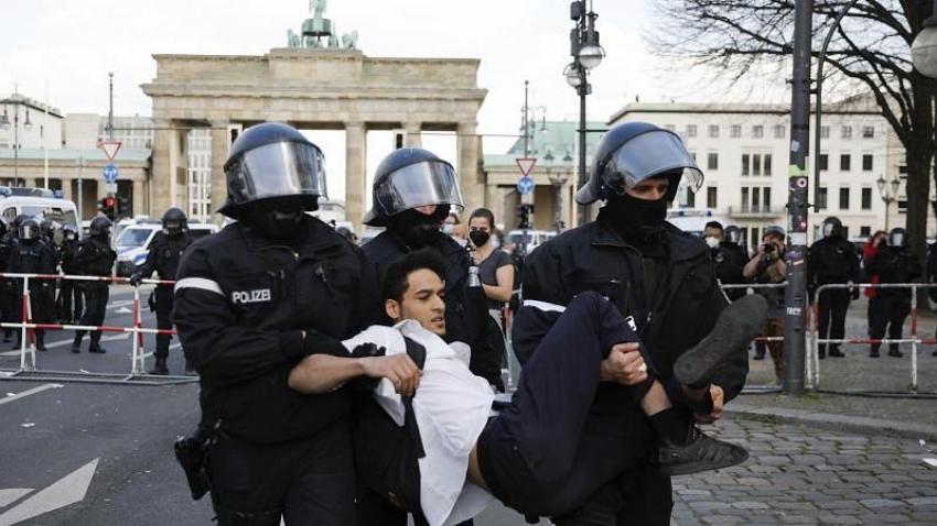 Γερμανία: Επεισόδια έξω από το κοινοβούλιο για να νέα μέτρα κατά του κορονοϊού