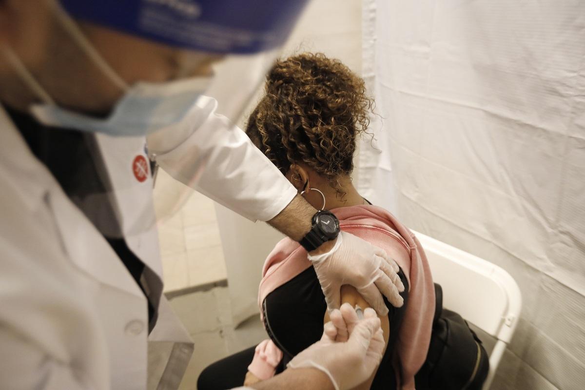 Νέα Υόρκη: Δικαστής μπλόκαρε τον υποχρεωτικό εμβολιασμό των υγειονομικών