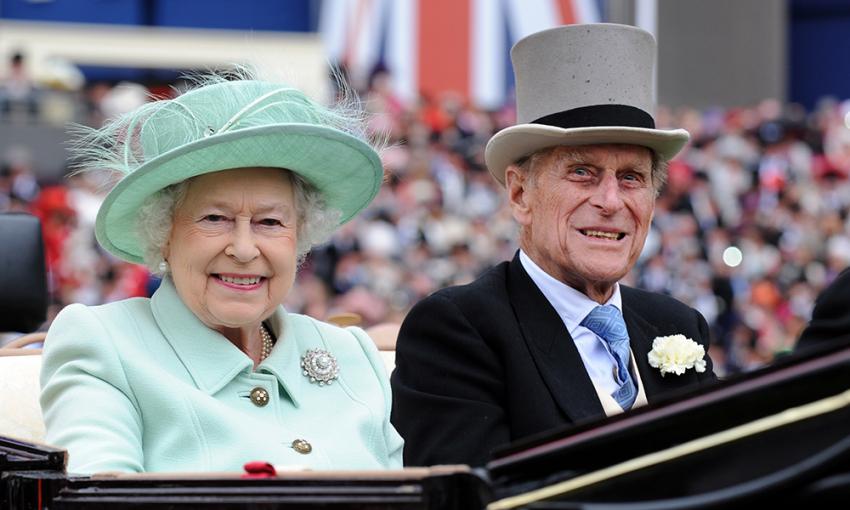 Πρίγκιπας Φίλιππος: Ο Έλληνας «γαλαζοαίματος» που έγινε η σκιά της Βασίλισσας Ελισάβετ