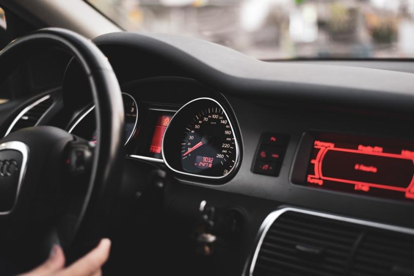 Δίπλωμα οδήγησης: Εξετάσεις από τα 17 και κάμερες - Όλες οι αλλαγές