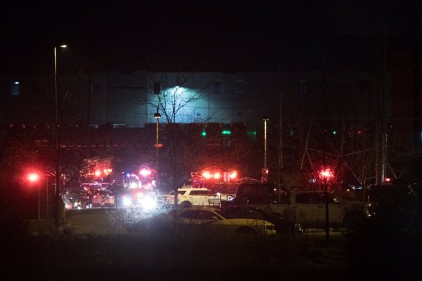 Ινδιανάπολη: Οκτώ νεκροί από τους πυροβολισμούς στις εγκαταστάσεις της FedEx