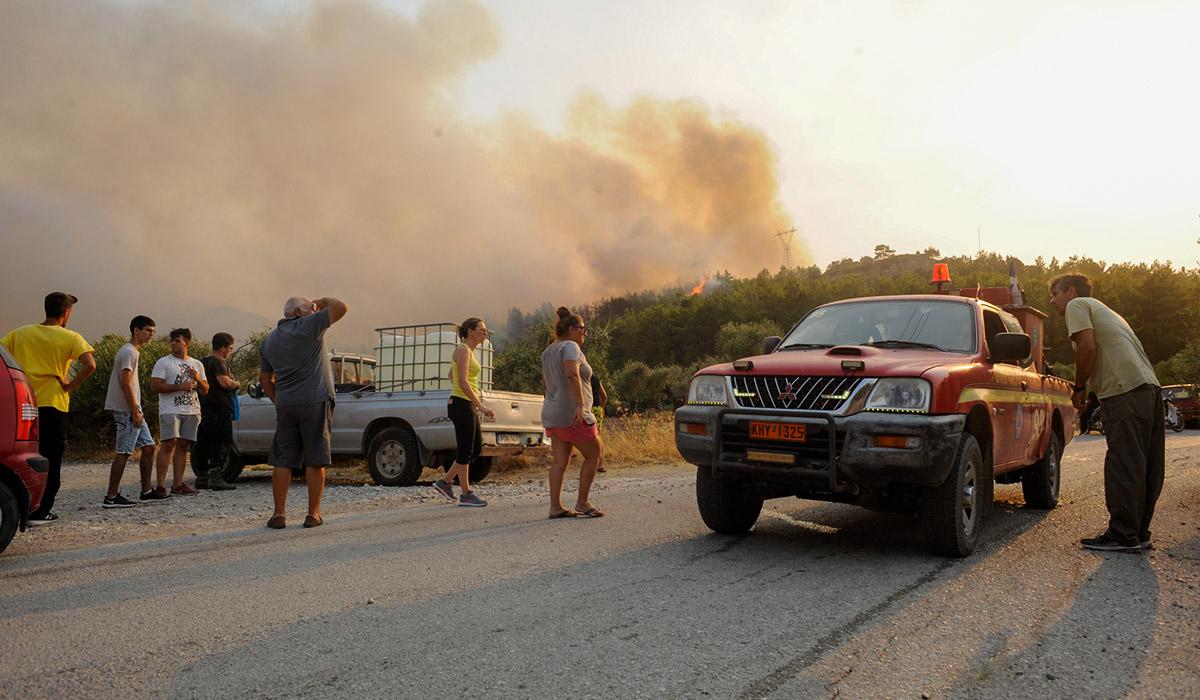 Φωτιά στη Ρόδο: Σε ύφεση τα μέτωπα - Μεγάλες καταστροφές