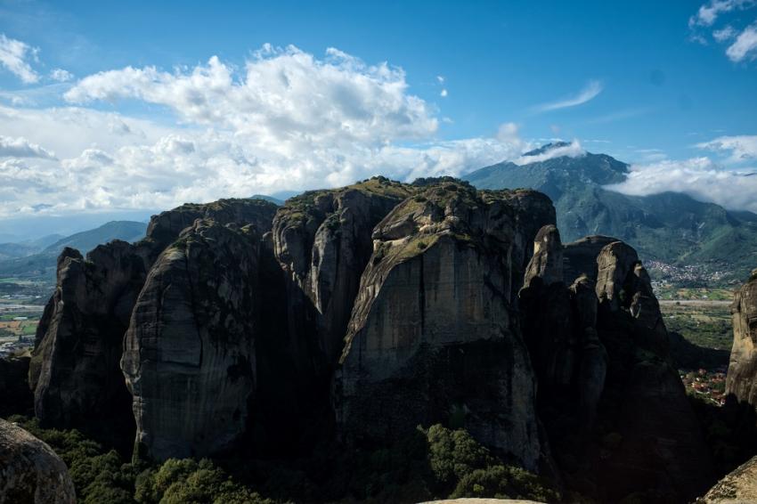 Σεισμός στην Ελασσόνα: Έπεσαν βράχοι στα Μετέωρα