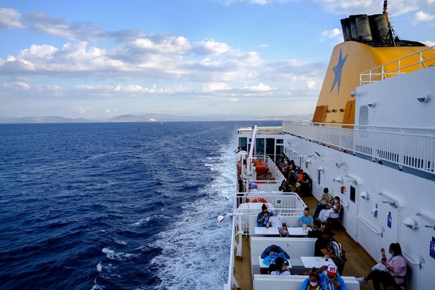 Στο πλοίο με self test: Όλα τα μέτρα για ταξίδι στα νησιά