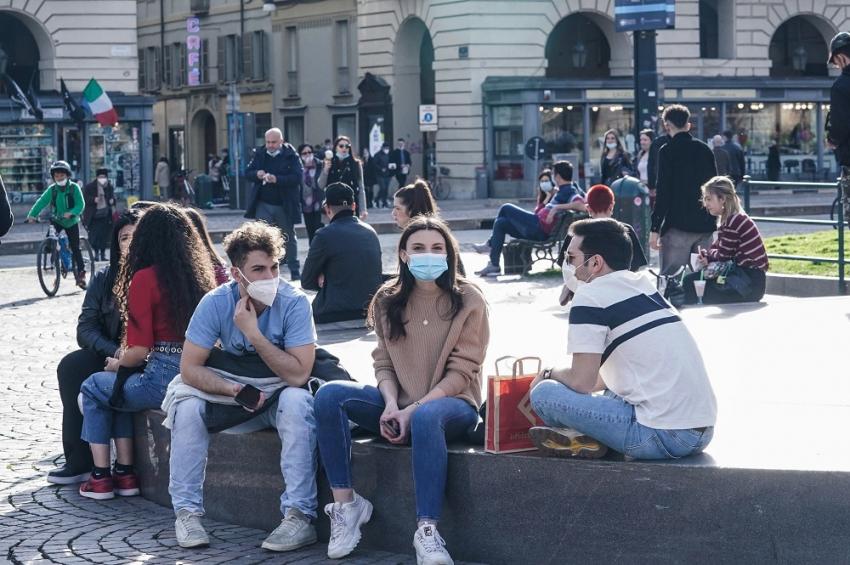 Παγκόσμιος Οργανισμός Μετεωρολογίας: Ο καιρός δεν επηρεάζει τον ρυθμό μετάδοσης του κορονοϊού