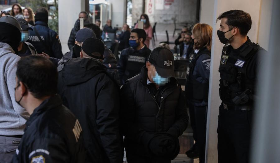 Πέραμα: Ελεύθεροι χωρίς όρους οι 7 αστυνομικοί