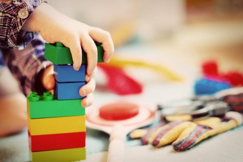 Παιδικοί - βρεφονηπιακοί σταθμοί: Ανοίγουν τη Δευτέρα 17/5, self test μόνο σε εκπαιδευτικούς