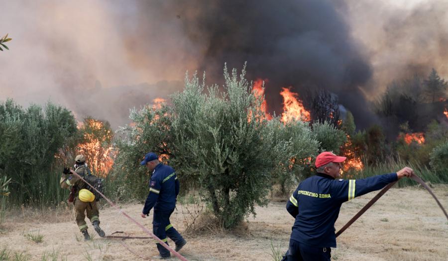 Τραυματίστηκαν δυο πολίτες - Εκκενώθηκαν 29 χωριά