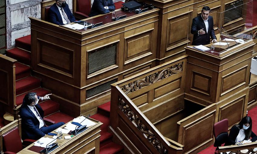 «Όχι» Μητσοτάκη στην επίκαιρη ερώτηση Τσίπρα για το σύστημα εισαγωγής στα ΑΕΙ