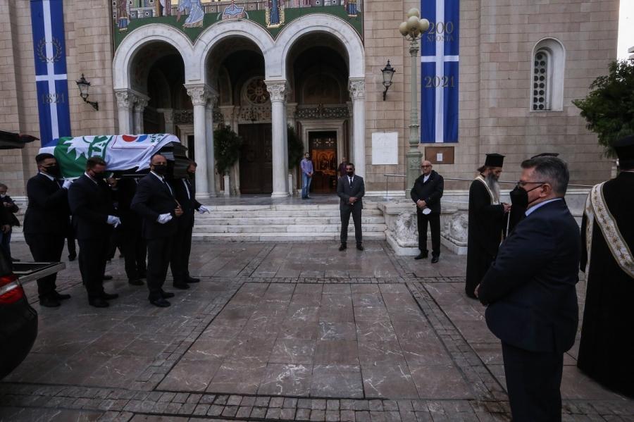Στη Μητρόπολη Αθηνών η σορός της Φώφης Γεννηματά - Στις 10 το λαϊκό προσκύνημα