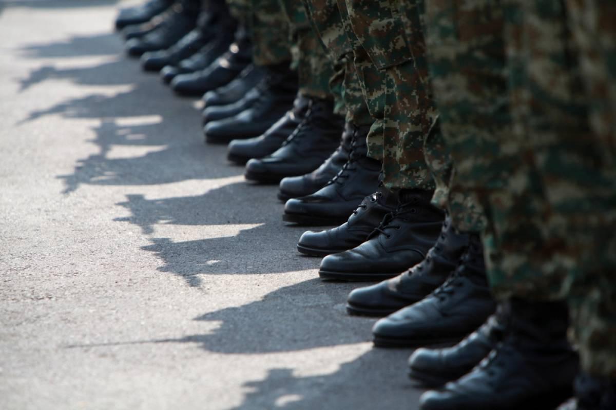 Οριστικό: Αυξάνεται κατά τρεις μήνες η θητεία στον Στρατό Ξηράς