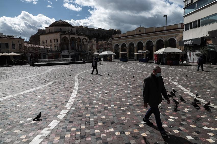 Κόντρα Δερμιτζάκη - Παυλάκη για το lockdown στο Facebook: «Αδιέξοδα μέτρα» - «Ρίχνεις λάδι στη φωτιά»
