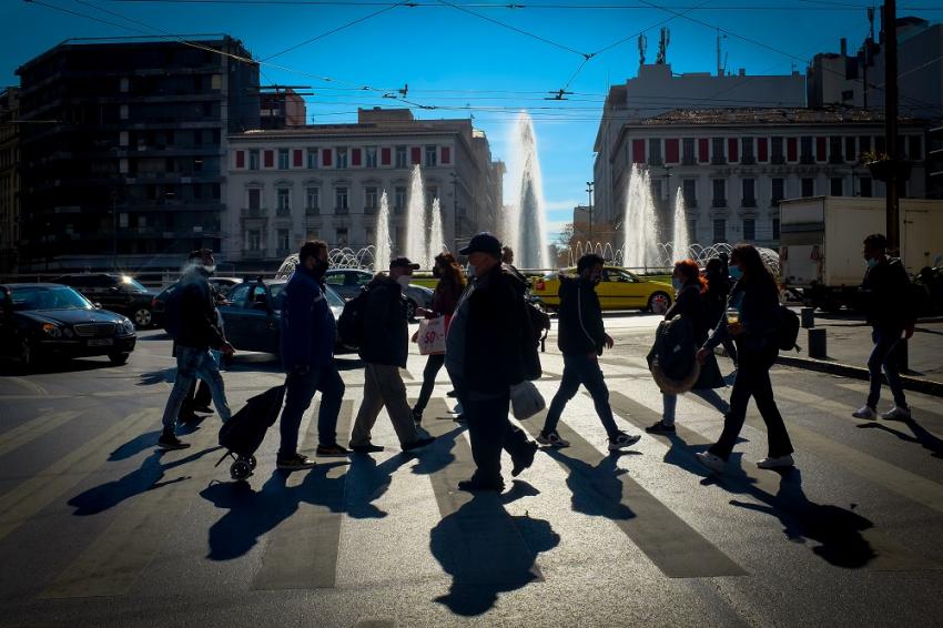 Πού εντοπίζονται τα 1.195 κρούσματα, όλες οι περιοχές - «Συναγερμός» στην Αθήνα, με 400 νέα