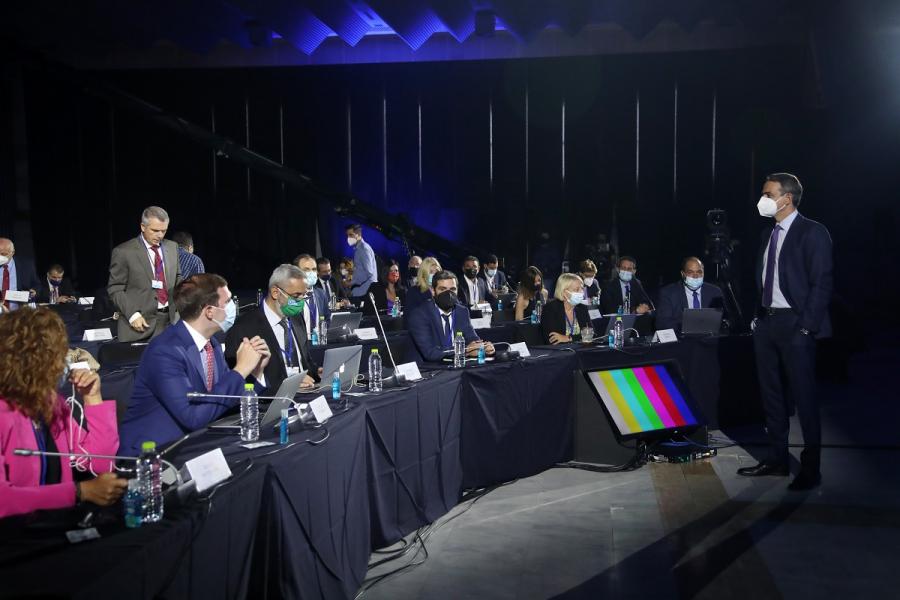 Ο διάλογος του Μητσοτάκη με δημοσιογράφους στη ΔΕΘ