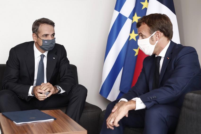 Τηλεφώνημα Μητσοτάκη - Μακρόν για Ευρωπαϊκό Συμβούλιο, Τουρκία και 25η Μαρτίου