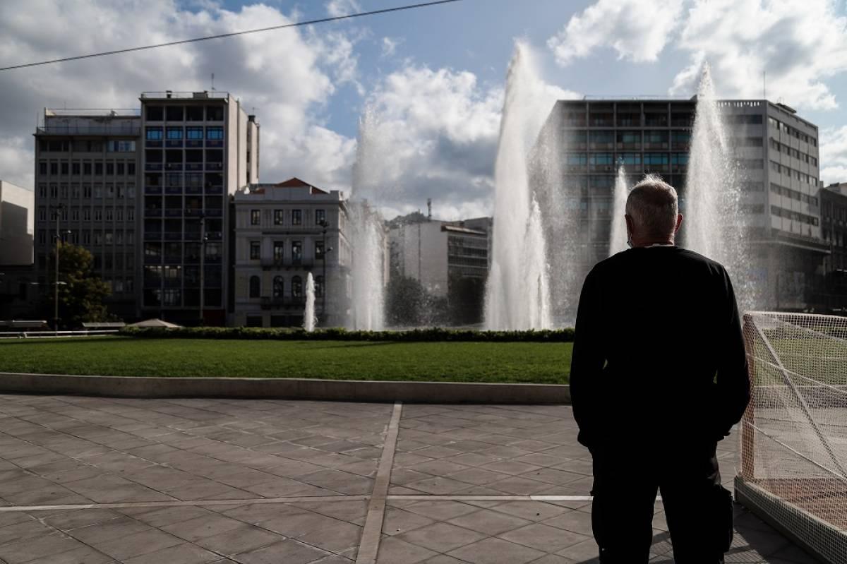 Η νέα 11άδα μέτρων για μισθωτούς και ανέργους, οι ασφαλιστικές εισφορές, οι πίκρες και τα «γλυκαντικά» το 2021