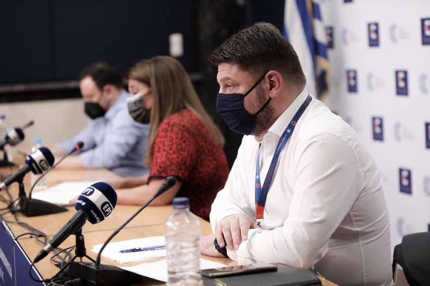 Άρση lockdown: Τα νέα μέτρα ανακοινώνει ο Νίκος Χαρδαλιάς (LIVE EIKONA)