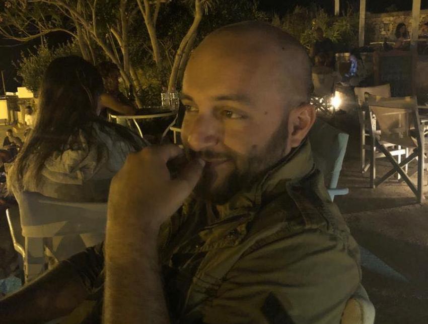 Νίκος Ανδριόπουλος: Φέσια για το σπίτι του άλλου