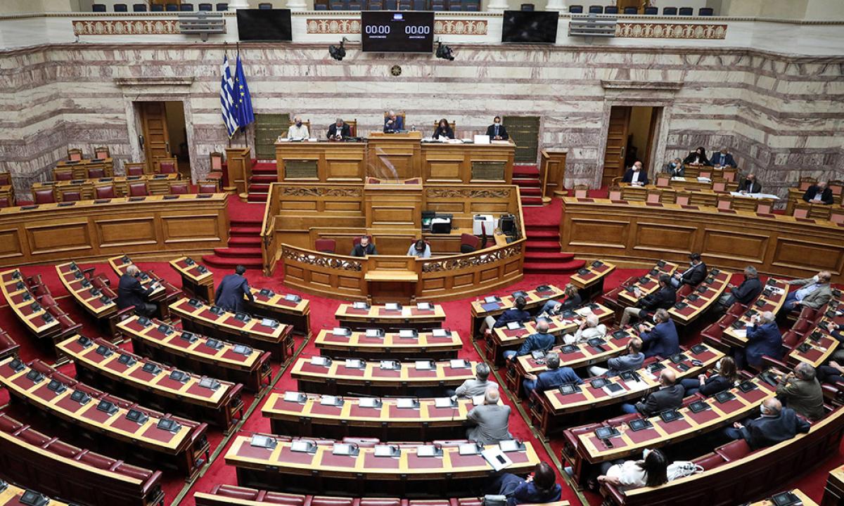 Στη Βουλή το νομοσχέδιο του υπουργείου Εργασίας – Την Τετάρτη η ψηφοφορία