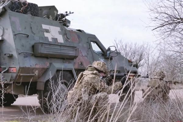 Συγκρούσεις στην Ουκρανία - Νεκρός ένας στρατιώτης, SOS εκπέμπει η Ε.Ε.