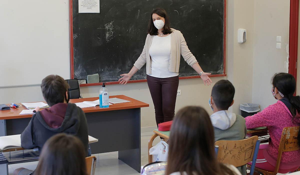 Πρόσκληση Κεραμέως για διάλογο για το νομοσχέδιο για τα σχολεία – Οι 4 άξονες