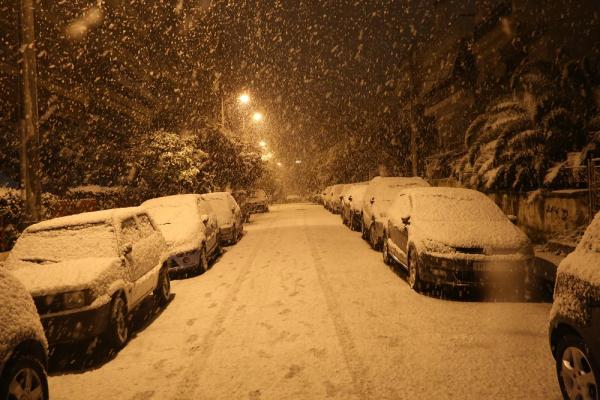 Πυκνές χιονοπτώσεις την Τρίτη φέρνει η Μήδεια, προσοχή στον «μαύρο πάγο»