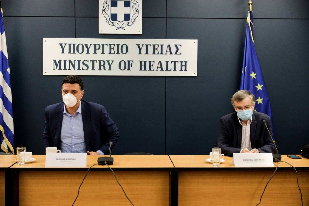 Καμπανάκι Τσιόδρα: Αυξήθηκε ο μέσος όρος των κρουσμάτων στα 657 ανά ημέρα