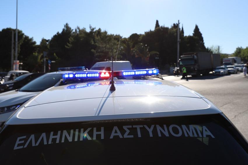 Άγρια καταδίωξη και κυνηγητό στην Αθήνα - Προσπάθησαν να εμβολίσουν περιπολικό