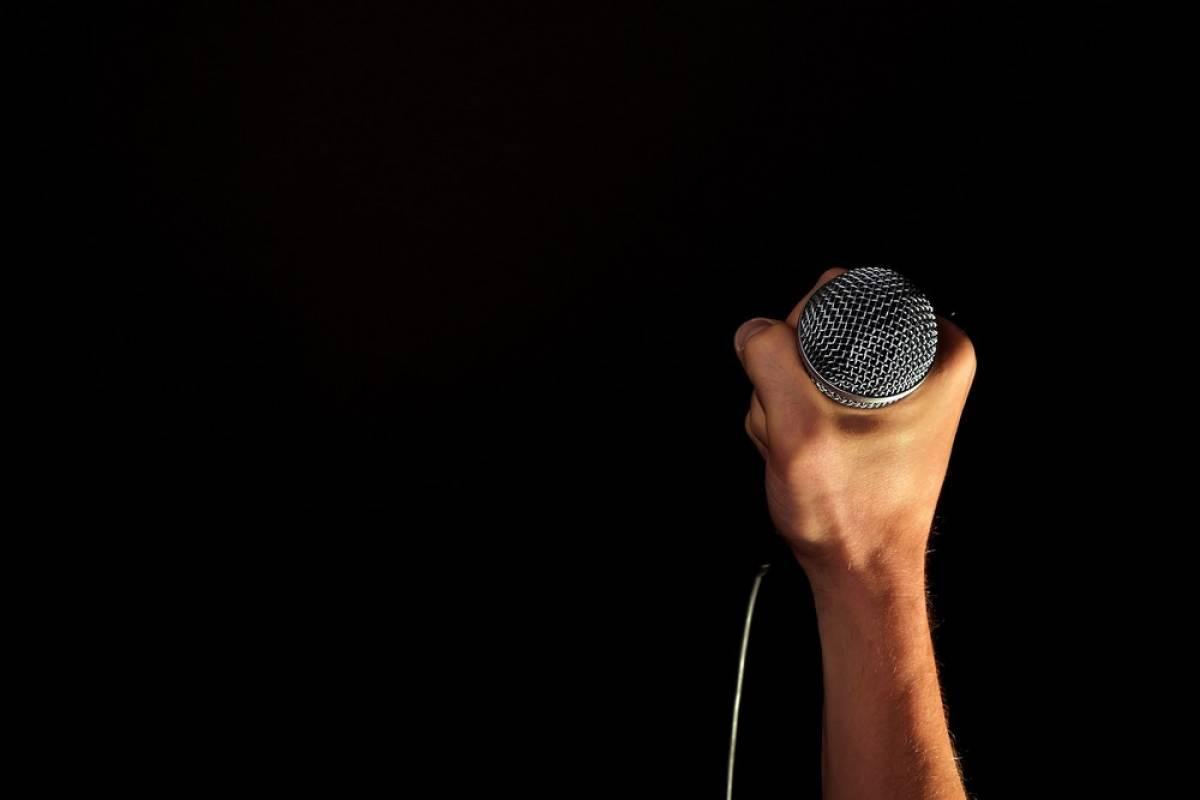 Επίδομα 800 ευρώ: Μίκης, Ξαρχάκος, Νταλάρας, Αλεξίου, Κραουνάκης, Νικολόπουλος, υπογράφουν για να το λάβουν οι μουσικοί