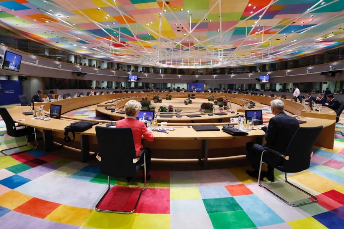 Σύνοδος Κορυφής: Σοβαρότατες αποκλίσεις με τα επίσημα κείμενα της ΕΕ - Σε ποιο κείμενο βρίσκεται η αλήθεια;
