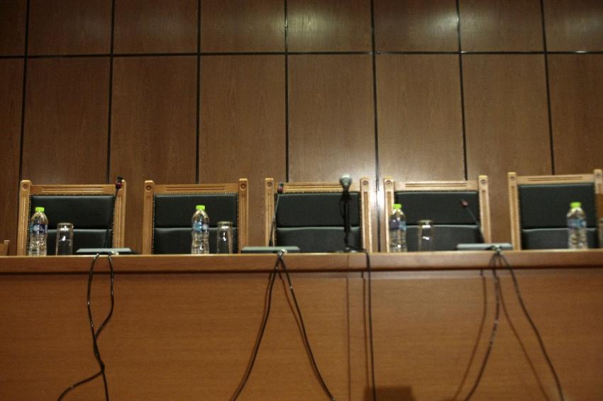 Ένωση Δικαστών και Εισαγγελέων: Αιχμές για Τσιάρα - «Απειλή για τη δικαστική ανεξαρτησία»