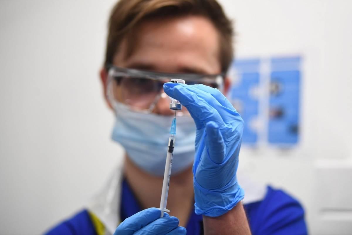 Ποιοι πρέπει να μιλήσουν με αλλεργιολόγο πριν τον εμβολιασμό